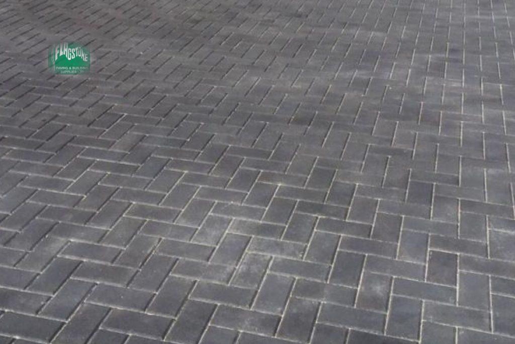 Charcoal driveway block pavers